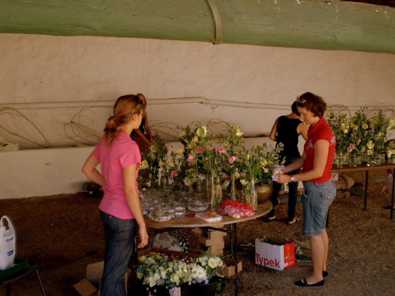 The girls (Lindsey and Debbie) preparing the flowers