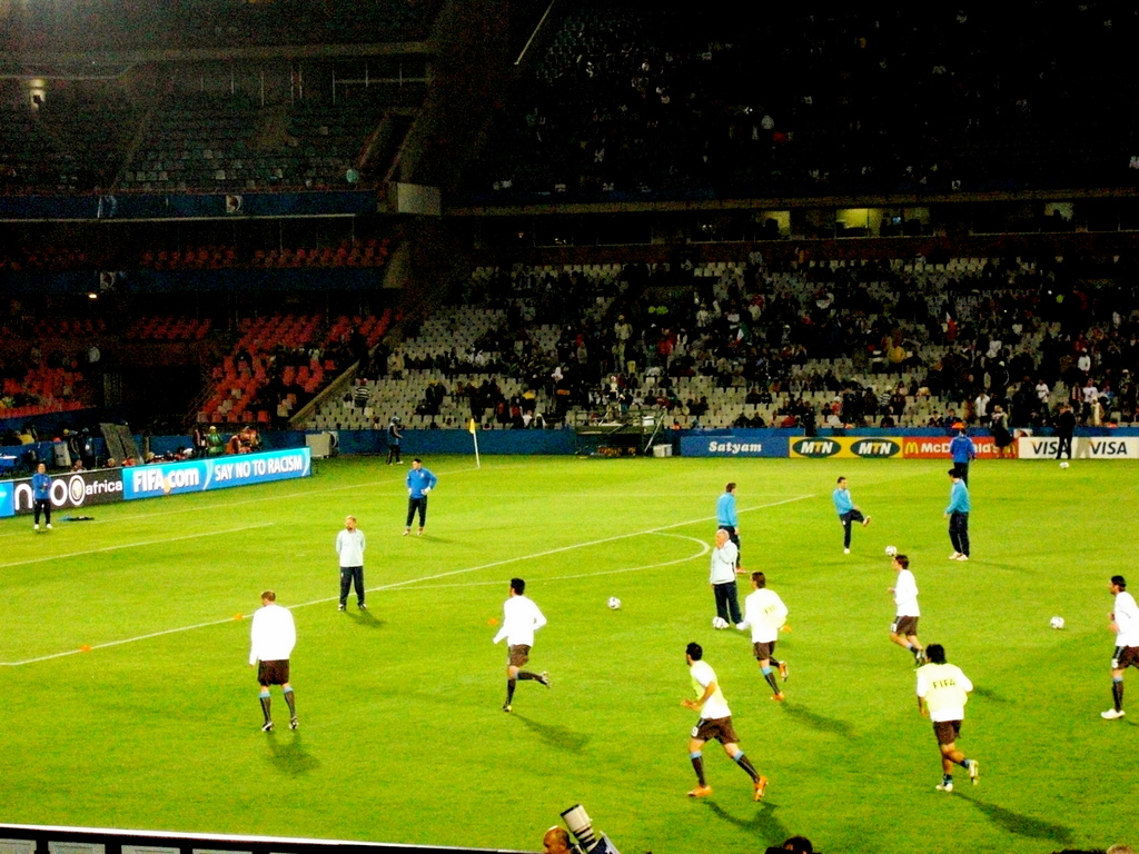 Italy warming up before the USA game