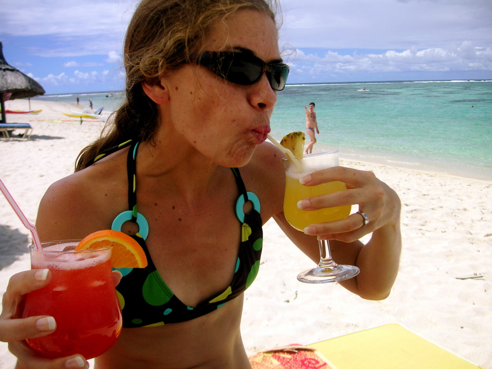 Lindsey enjoys some cocktails! (all inclusive!)