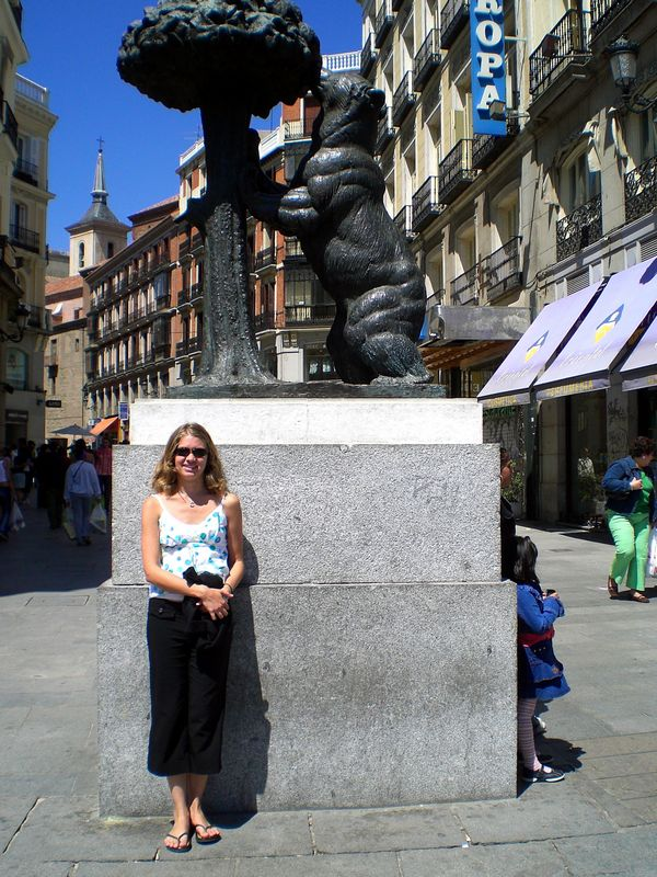 Lindsey, the bear of Madrid and the Strawberry tree