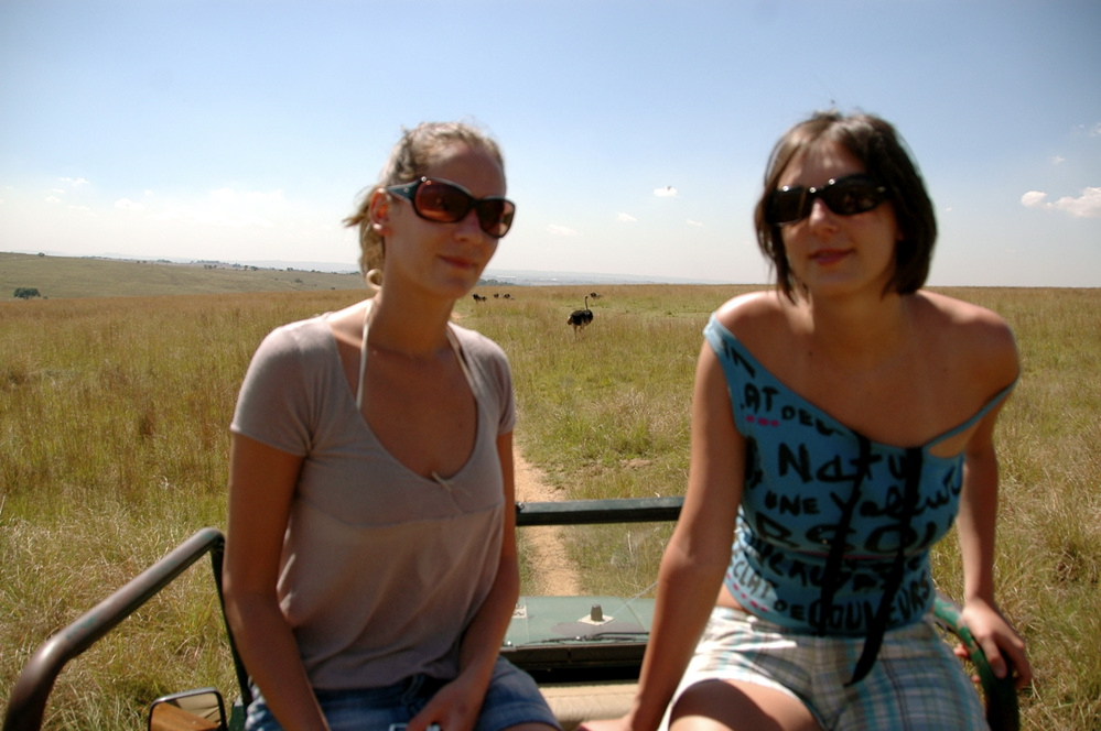 Olga, Sara and an ostrich