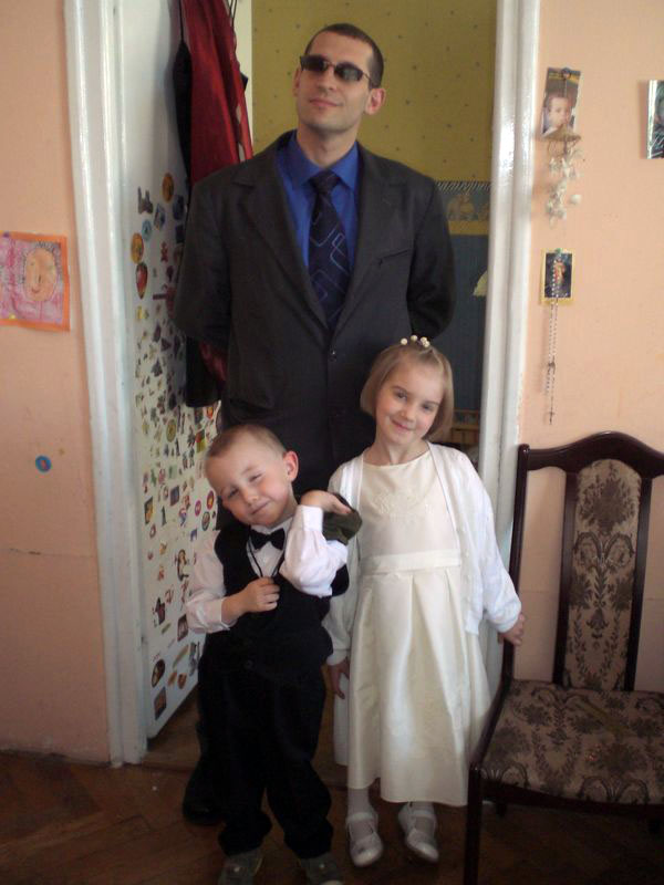Getting ready for the wedding: me and Dominik's kids