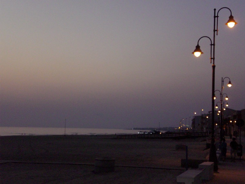 Scoglitti beach by night