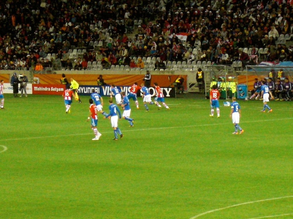 A moment of the game between Italy and Paraguay